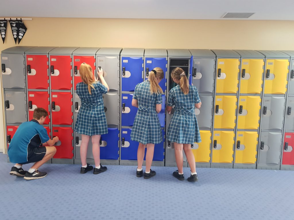 selecting right school lockers